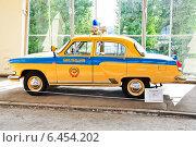 "Купить «ГАЗ-21 Р ""Волга"" ГАИ на ВДНХ», эксклюзивное фото № 6454202, снято 12 августа 2014 г. (c) Алёшина Оксана / Фотобанк Лори"