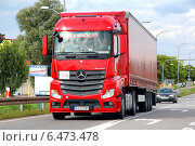 Купить «Грузовик Mercedes-Benz Actros», фото № 6473478, снято 13 августа 2014 г. (c) Art Konovalov / Фотобанк Лори