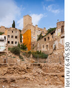 Купить «Old neglected houses in spanish town», фото № 6476530, снято 12 августа 2014 г. (c) Яков Филимонов / Фотобанк Лори