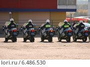 Строй полицейских на служебных мотоциклах (2014 год). Редакционное фото, фотограф Lana / Фотобанк Лори