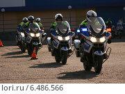 Полицейские на служебных мотоциклах (2014 год). Редакционное фото, фотограф Lana / Фотобанк Лори