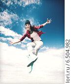 Купить «beautiful dancing girl jumping», фото № 6504982, снято 20 июля 2013 г. (c) Syda Productions / Фотобанк Лори