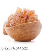Купить «Brown cane caramelized lump sugar in wooden bowl isolated on white background cutout», фото № 6514522, снято 27 марта 2014 г. (c) Natalja Stotika / Фотобанк Лори