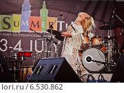 Купить «Выступление Пелагеи на фестивале Summertime-2009 в Санкт-Петербурге», эксклюзивное фото № 6530862, снято 3 июля 2009 г. (c) Ольга Визави / Фотобанк Лори
