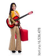 Купить «Travelling musician with suitcase and guitar», фото № 6536478, снято 20 июня 2013 г. (c) Elnur / Фотобанк Лори