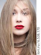 Портрет молодой блондинки. Стоковое фото, фотограф Яна Застольская / Фотобанк Лори