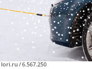 Купить «closeup of towed car with towing rope», фото № 6567250, снято 16 января 2014 г. (c) Syda Productions / Фотобанк Лори