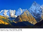 Купить «Красочный вечер в горах Кавказа осенью», фото № 6573274, снято 12 октября 2014 г. (c) александр жарников / Фотобанк Лори