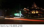Пхукет ночью, дорога возле отеля. Таймлапс (2014 год). Редакционное видео, видеограф Леван Каджая / Фотобанк Лори