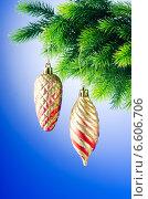 Купить «Christmas decoration on the fir tree», фото № 6606706, снято 2 сентября 2011 г. (c) Elnur / Фотобанк Лори