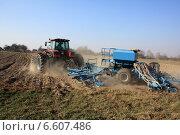 Подготовка почвы под сев озимых. Стоковое фото, фотограф Андрей Силивончик / Фотобанк Лори