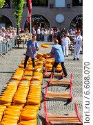 Сырная ярмарка в Алкмаре (2014 год). Редакционное фото, фотограф Катерина Вахе / Фотобанк Лори