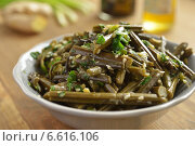 Купить «Bracken fern salad», фото № 6616106, снято 19 октября 2014 г. (c) Stockphoto / Фотобанк Лори