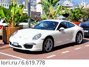 Купить «Porsche 991 911 Carrera», фото № 6619778, снято 2 августа 2014 г. (c) Art Konovalov / Фотобанк Лори