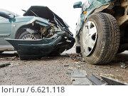 Купить «car crash collision in urban street», фото № 6621118, снято 1 ноября 2014 г. (c) Дмитрий Калиновский / Фотобанк Лори