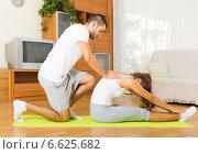 Healthy couple doing fitness. Стоковое фото, фотограф Яков Филимонов / Фотобанк Лори