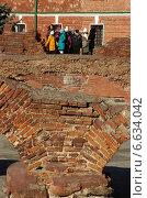 Экскурсия по Брестской крепости (2014 год). Редакционное фото, фотограф Юрий Антипычев / Фотобанк Лори