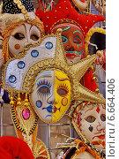 Купить «Карнавальная маска», эксклюзивное фото № 6664406, снято 24 июля 2009 г. (c) Виктор Зиновьев / Фотобанк Лори