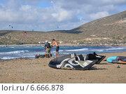 Купить «Обучение кайтингу на пляже Прасониси (Греция)», фото № 6666878, снято 6 сентября 2014 г. (c) Колчева Ольга / Фотобанк Лори