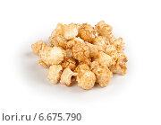 Купить «Карамельный попкорн на белом фоне», фото № 6675790, снято 19 сентября 2014 г. (c) Александр Лычагин / Фотобанк Лори
