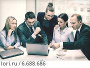Купить «business team with laptop having discussion», фото № 6688686, снято 9 ноября 2013 г. (c) Syda Productions / Фотобанк Лори