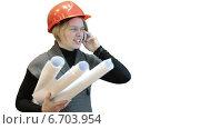 Купить «Женщина инженер с чертежами разговаривает по телефону на белом фоне», видеоролик № 6703954, снято 22 ноября 2014 г. (c) Кекяляйнен Андрей / Фотобанк Лори