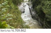Купить «Узкий горный поток», видеоролик № 6709862, снято 29 сентября 2014 г. (c) Курганов Александр / Фотобанк Лори