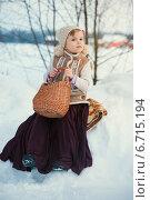 Купить «Симпатичная девочка в зимнем лесу», фото № 6715194, снято 17 февраля 2014 г. (c) Останина Екатерина / Фотобанк Лори