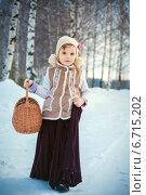 Купить «Симпатичная девочка в зимнем лесу», фото № 6715202, снято 17 февраля 2014 г. (c) Останина Екатерина / Фотобанк Лори