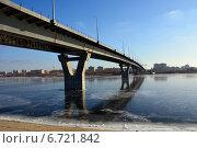 """""""Замороженный"""" мост над замёрзшим каналом в Балакове. Стоковое фото, фотограф Виктор Архипов / Фотобанк Лори"""