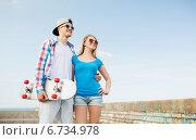 Купить «smiling couple having fun outdoors», фото № 6734978, снято 7 июля 2014 г. (c) Syda Productions / Фотобанк Лори
