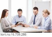 Купить «business team working with tablet pc in office», фото № 6739286, снято 5 апреля 2014 г. (c) Syda Productions / Фотобанк Лори