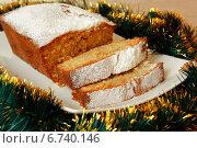 Купить «Рождественский кекс с сахарной пудрой», фото № 6740146, снято 29 сентября 2014 г. (c) Elena Molodavkina / Фотобанк Лори