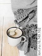 Купить «Кофе со сливками на старом деревянном столе», фото № 6749102, снято 2 декабря 2014 г. (c) Наталья Осипова / Фотобанк Лори