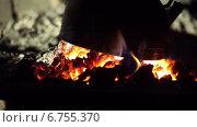 Купить «Чайник кипит на огне», видеоролик № 6755370, снято 2 декабря 2014 г. (c) Александр Саенко / Фотобанк Лори