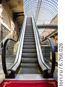 Купить «Эскалатор в ГУМе, Москва», фото № 6766026, снято 18 мая 2014 г. (c) Юрий Губин / Фотобанк Лори