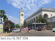 Купить «Железнодорожный вокзал. Город Сочи», фото № 6767154, снято 17 августа 2013 г. (c) Григорий Писоцкий / Фотобанк Лори