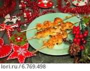 Купить «Шашлычки из креветок с кунжутом к новогоднему столу», фото № 6769498, снято 1 января 2014 г. (c) ElenArt / Фотобанк Лори