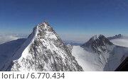 Полёт на вертолёте в Альпах вокруг вершины Маттерхорн и массива Монте Роза. Стоковое видео, видеограф Владимир Леонов / Фотобанк Лори