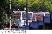 Московское метро. Два поезда едут навстречу друг другу на открытом участке у станции метро Измайловская. Стоковое видео, видеограф Арташес Оганджанян / Фотобанк Лори
