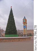 Купить «Новогодняя ёлка в Подольске», фото № 6786278, снято 4 декабря 2014 г. (c) Павел Москаленко / Фотобанк Лори