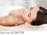 Купить «beautiful young woman in spa», фото № 6794778, снято 25 июля 2013 г. (c) Syda Productions / Фотобанк Лори