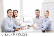 business team having meeting in office, фото № 6795282, снято 5 апреля 2014 г. (c) Syda Productions / Фотобанк Лори