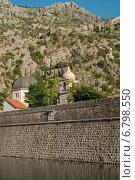 Стена старого города в Которе (2014 год). Стоковое фото, фотограф Евгений Макеев / Фотобанк Лори