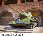 Купить «Т-34, выставка в Нижегородском кремле», фото № 6805294, снято 6 августа 2014 г. (c) Александр Романов / Фотобанк Лори