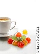 Мармелад и чашка чая. Стоковое фото, фотограф Анна Губина / Фотобанк Лори