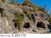 Купить «Крым, пещерный средневековый город Чуфут-Кале», фото № 6809778, снято 17 сентября 2014 г. (c) Александр  Буторин / Фотобанк Лори