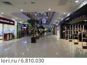 """Торговый центр """"Фестиваль"""" (2014 год). Редакционное фото, фотограф Роман Полубояров / Фотобанк Лори"""