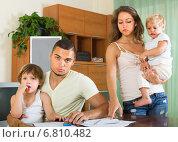 Купить «Parents with children having quarrel», фото № 6810482, снято 19 июля 2014 г. (c) Яков Филимонов / Фотобанк Лори