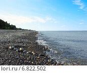 Купить «Пустынный галечный морской пляж», фото № 6822502, снято 8 августа 2006 г. (c) Евгений Ткачёв / Фотобанк Лори
